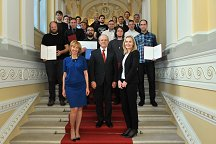 This year's finalists for the Rector's Award with the Managing Director of LUI Dr. Lidija Honzak, Vice-Rector of UL Prof. Dr. Tanja Mihalič and the Rector of the UL Prof. Dr. Ivan Svetlik (middle).