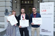 From left to right: Polona Pečlin (3rd place), Nejc Hodnik, the winner of Falling Walls Lab Ljubljana 2016, and Matija Gatalo (2nd place).