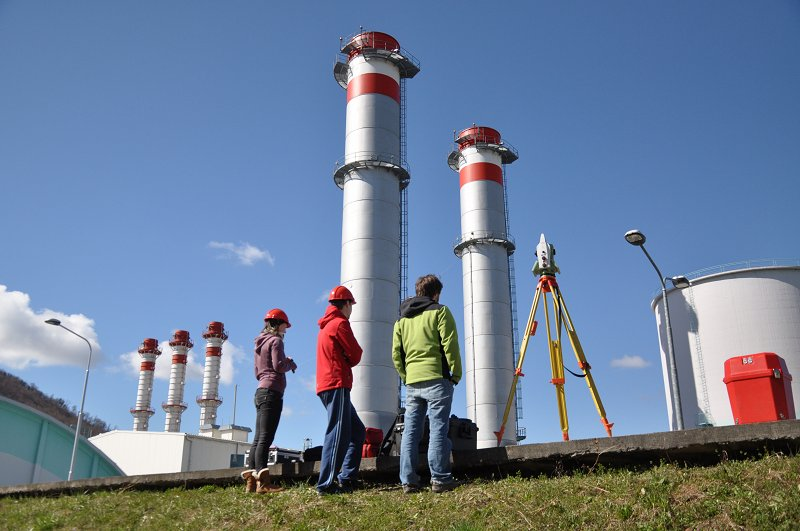 Laser scanning of tall chimney for determination of its non-verticality using modern total station Photo: Aleš Marjetič