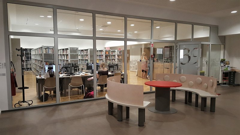 The Faculty of Social Work has recently been completely renovated and enlarged and is proud of its new library. Photo: Borut Petrović Jesenovec