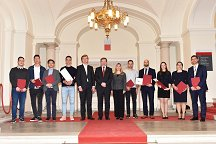 This year's winners of the Rector's Award for the Best Innovation at the University of Ljubljana with Chief Executive of the Ljubljana University Incubator Jakob Gajšek (fifth from left), University of Ljubljana Rector Prof. Dr. Igor Papič (centre) and University of Ljubljana Vice-Rector Prof. Dr. Tanja Dmitrović (seventh from left).