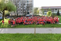Group photo of 319 runners and organisers of the run from the UL Centre for Extracurricular Activities